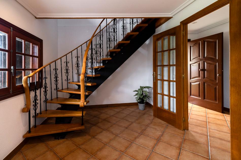 bni32-escalera
